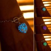 Bracelet Pendentif en forme de Coeur Lumineux Style Tendance Bijoux pour Femmes