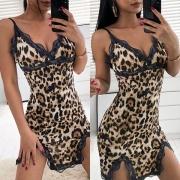 Sexy Nuisette á Imprimé Léopard Avec Fines Bretelles en Detelle et Encolure en V