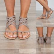 Sandales Stylées à la Mode Cool à Talons Plats avec un Design Croisé