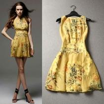 Retro Floral Print Gathered Waistline Sleeveless Dress