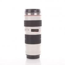 lentille de l'appareil photo de mode de tasse de café de thé