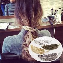Epingle à Cheveux Stylée à la Mode avec un Design de Plume