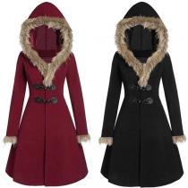 Manteau/Veste Stylée Douce à la Mode à Capuche avec les Fourrures Synthétiques à Boutons Cornes