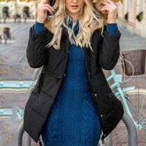 Veste Ouatée Douce à la Mode à Capuche avec les Fourrures Synthétiques