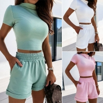 Ensemble deux Pièces: Crop Top Manches Courtes  + Short Taille Haute