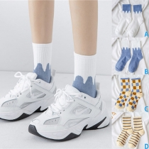 Fashion Contrast Color Printed Socks