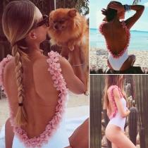 Sexy Backless 3D Petals Contrast Color Bodysuit