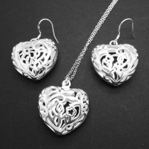 Sweet Style Hollow Out Heart Shaped Earrings + Necklace Two-piece Set