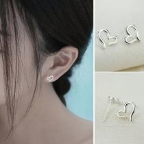 Boucles d'Oreilles Chic à la Mode avec un Design de Cœur