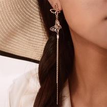 Boucles d'Oreilles Stylées Elégantes à la Mode avec un Design de Papillon