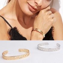 Bracelet Doux Stylé Chic à la Mode avec un Design Ajouré